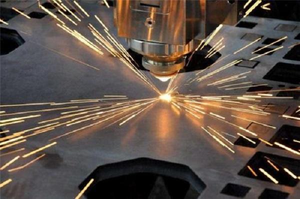 如何处理金属激光切割机加工过程中出现的烧边现象?